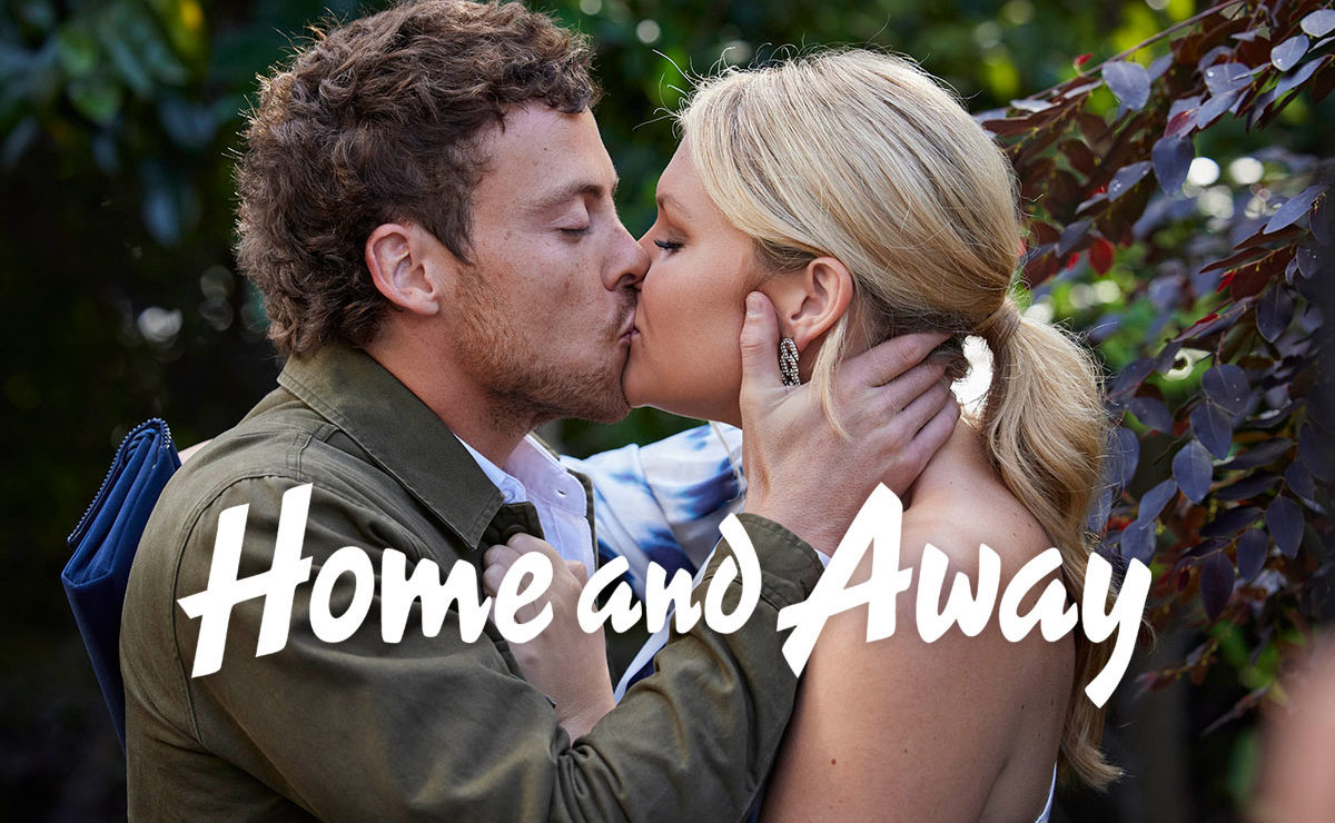 Home and Away Spoilers – Dean and Ziggy reunite at Bella's exhibition